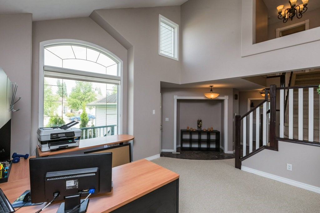 Photo 5: 1 OAKDALE Place: St. Albert House for sale : MLS(r) # E4071458