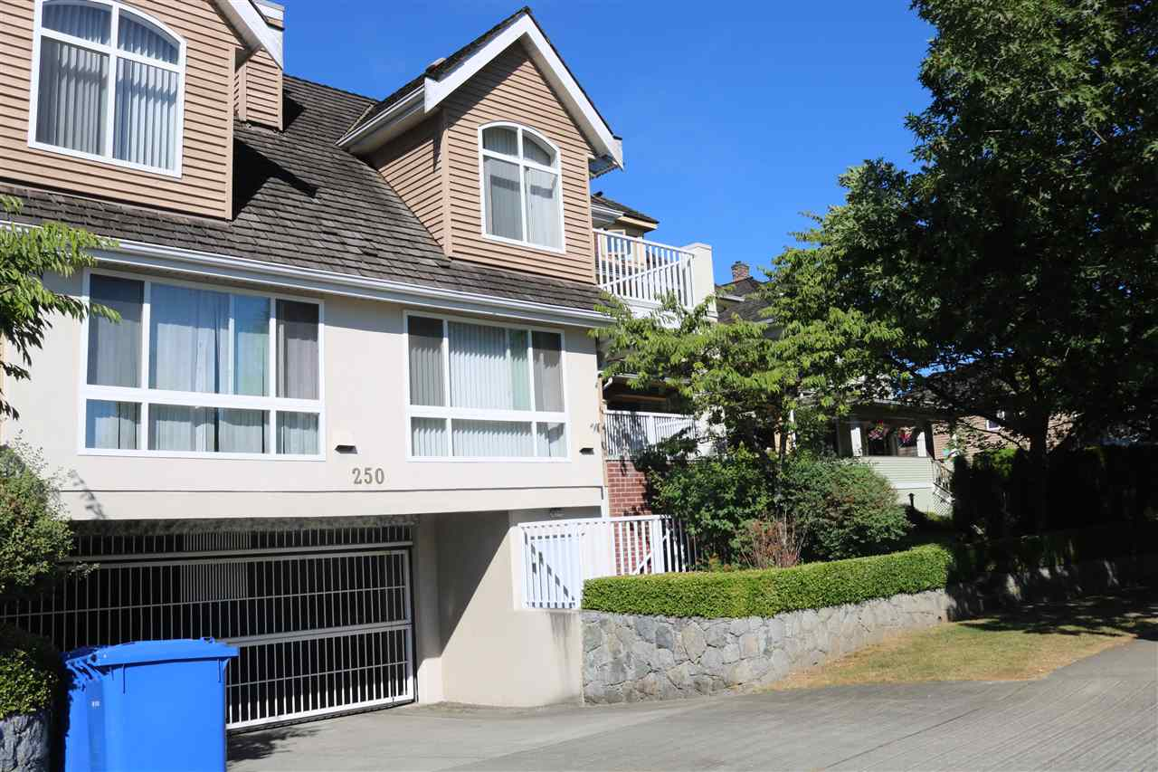 "Main Photo: 3 250 E KEITH Road in North Vancouver: Central Lonsdale Townhouse for sale in ""GLADWIN COURT"" : MLS® # R2193358"