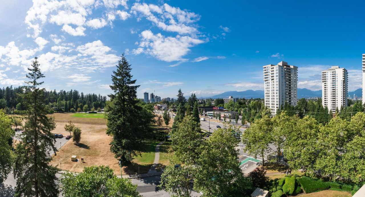 Main Photo: 804 5790 PATTERSON Avenue in Burnaby: Metrotown Condo for sale (Burnaby South)  : MLS® # R2197348
