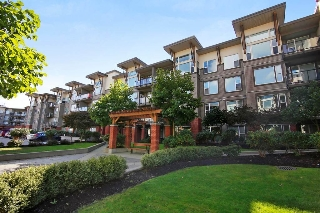 "Main Photo: 305 33539 HOLLAND Avenue in Abbotsford: Central Abbotsford Condo for sale in ""THE CROSSING"" : MLS® # R2208445"