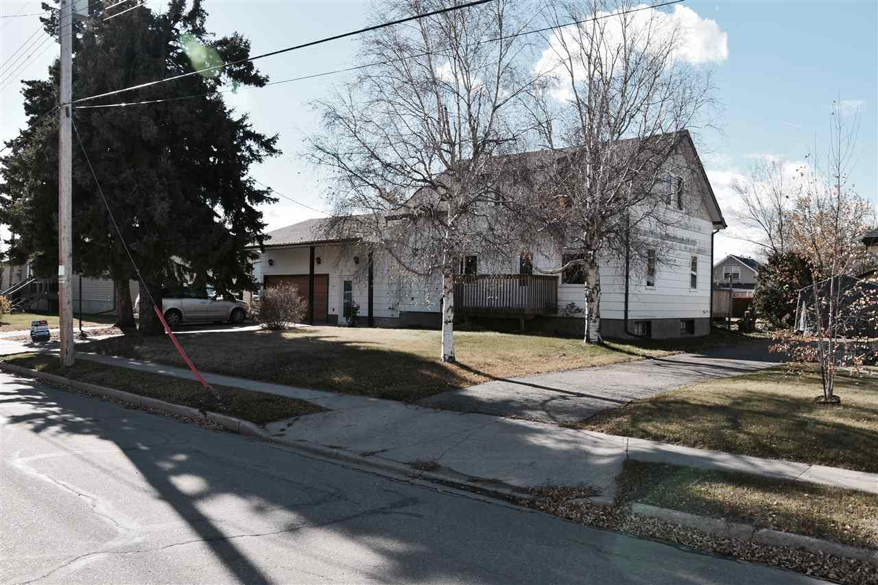 Main Photo: 5020-46st Legal, Alberta: Legal House for sale : MLS® # E4084944