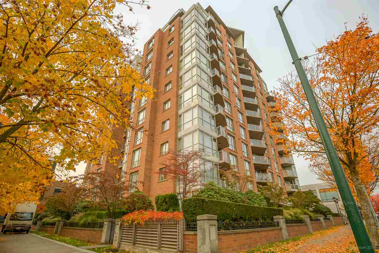 "Main Photo: 405 1575 W 10TH Avenue in Vancouver: Fairview VW Condo for sale in ""TRITON"" (Vancouver West)  : MLS® # R2217579"