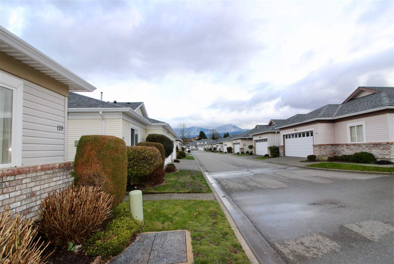 "Photo 17: Photos: 139 8485 YOUNG Road in Chilliwack: Chilliwack W Young-Well House 1/2 Duplex for sale in ""HAZELWOOD GROVE"" : MLS® # R2234130"