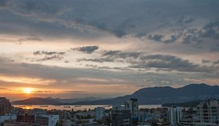 "Main Photo: 1203 1333 W 11TH Avenue in Vancouver: Fairview VW Condo for sale in ""Sakura"" (Vancouver West)  : MLS®# R2276621"