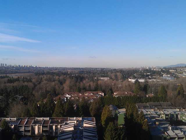 "Photo 1: 1502 3980 CARRIGAN Court in Burnaby: Government Road Condo for sale in ""DISCOVERY I"" (Burnaby North)  : MLS(r) # V921894"