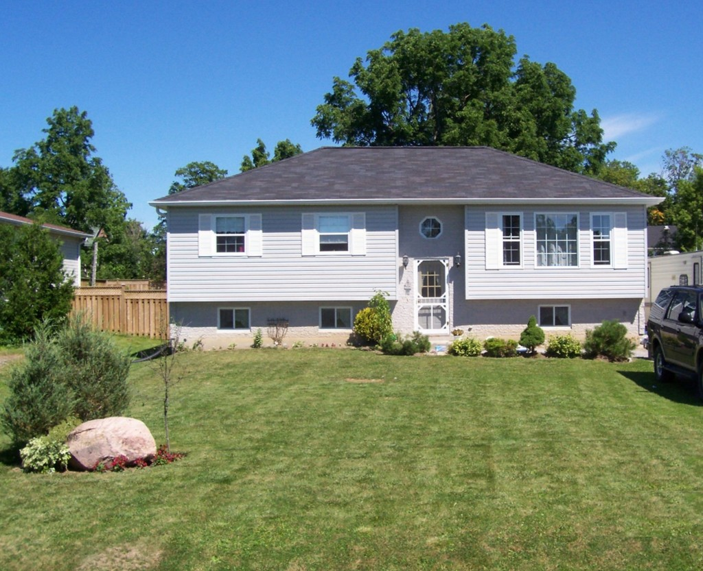 Main Photo: 10 Beech Street: Woodville Freehold for sale (Kawartha Lakes)  : MLS®# 1339237/X2589030
