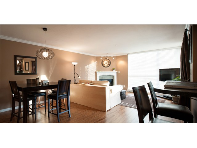 Main Photo: # 212 8450 JELLICOE ST in Vancouver: Fraserview VE Condo for sale (Vancouver East)  : MLS®# V990566