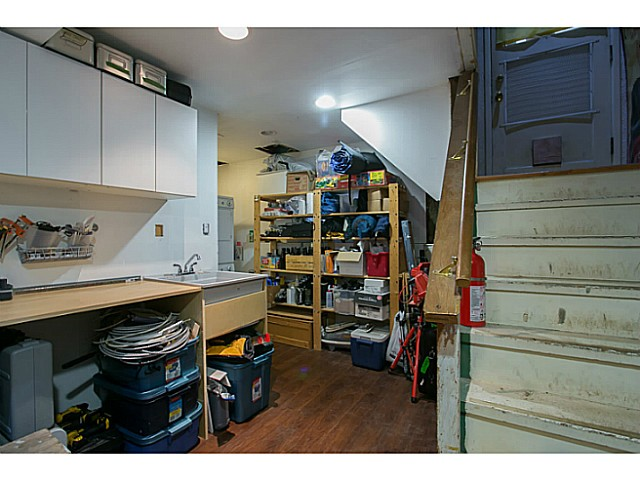 Photo 16: 3060 E 8TH Avenue in Vancouver: Renfrew VE House for sale (Vancouver East)  : MLS(r) # V1050531