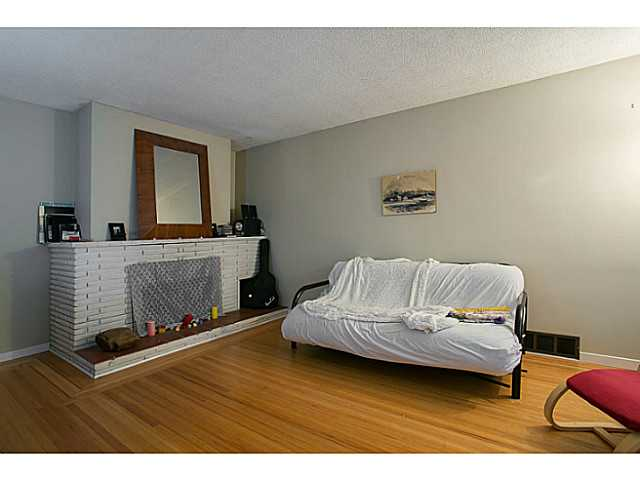 Photo 2: 3060 E 8TH Avenue in Vancouver: Renfrew VE House for sale (Vancouver East)  : MLS(r) # V1050531