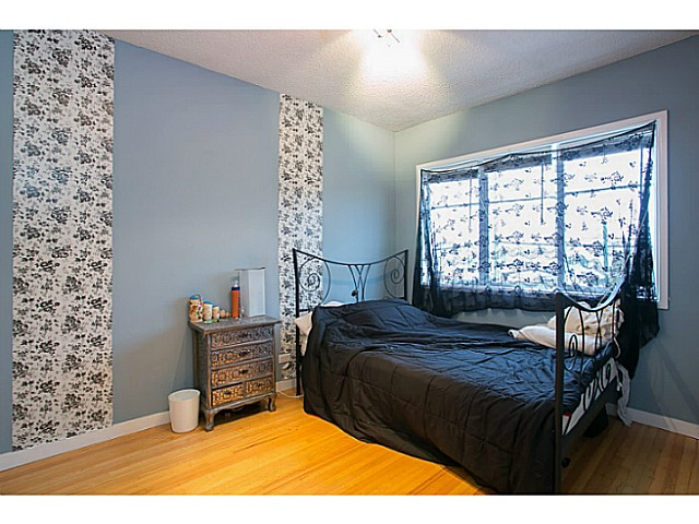 Photo 4: 3060 E 8TH Avenue in Vancouver: Renfrew VE House for sale (Vancouver East)  : MLS(r) # V1050531