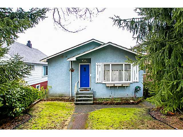 Main Photo: 3060 E 8TH Avenue in Vancouver: Renfrew VE House for sale (Vancouver East)  : MLS(r) # V1050531