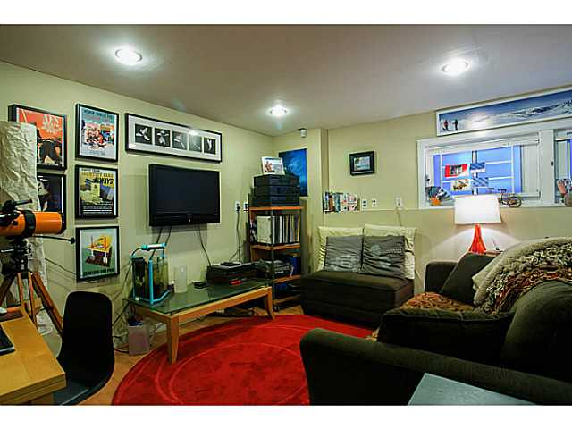 Photo 9: 3060 E 8TH Avenue in Vancouver: Renfrew VE House for sale (Vancouver East)  : MLS(r) # V1050531