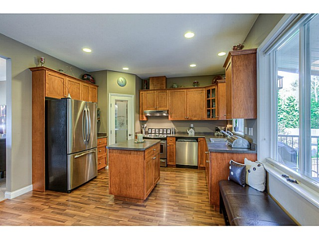 Photo 9: 33883 HOLLISTER Place in Mission: Mission BC House for sale : MLS(r) # F1427638