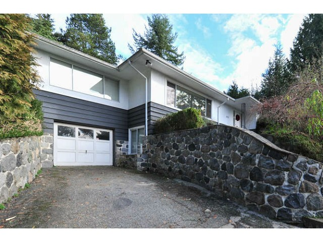 Main Photo: 402 E 29TH Street in North Vancouver: Upper Lonsdale House for sale : MLS®# V1102842