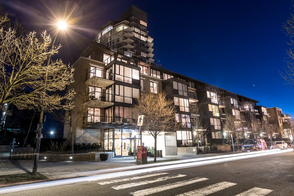 "Main Photo: 310 1450 W 6TH Avenue in Vancouver: Fairview VW Condo for sale in ""VERONA OF PORTICO"" (Vancouver West)  : MLS® # V1107418"