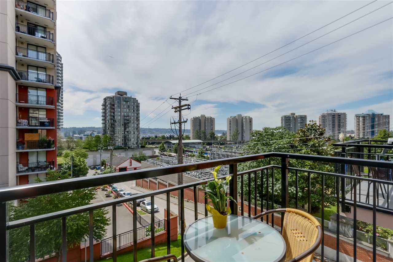 "Photo 4: 35 838 ROYAL Avenue in New Westminster: Downtown NW Townhouse for sale in ""BRICKSTONE WALK II"" : MLS® # R2077794"