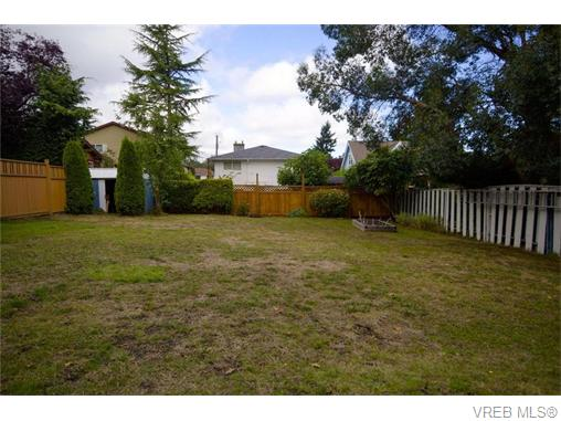 Photo 12: 1356 McNair Street in VICTORIA: Vi Mayfair Single Family Detached for sale (Victoria)  : MLS® # 370228