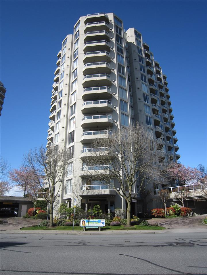 "Main Photo: 1607 1135 QUAYSIDE Drive in New Westminster: Quay Condo for sale in ""ANCHOR POINTE"" : MLS® # R2115931"