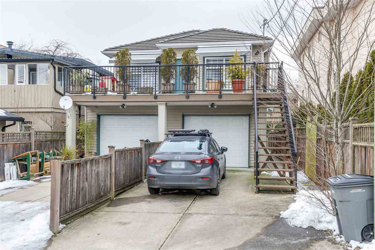 Photo 4: 452 E 44TH Avenue in Vancouver: Fraser VE House 1/2 Duplex for sale (Vancouver East)  : MLS(r) # R2131563