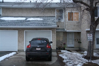 Main Photo: 193 Callingwood Place in Edmonton: Zone 20 Townhouse for sale : MLS(r) # E4051997