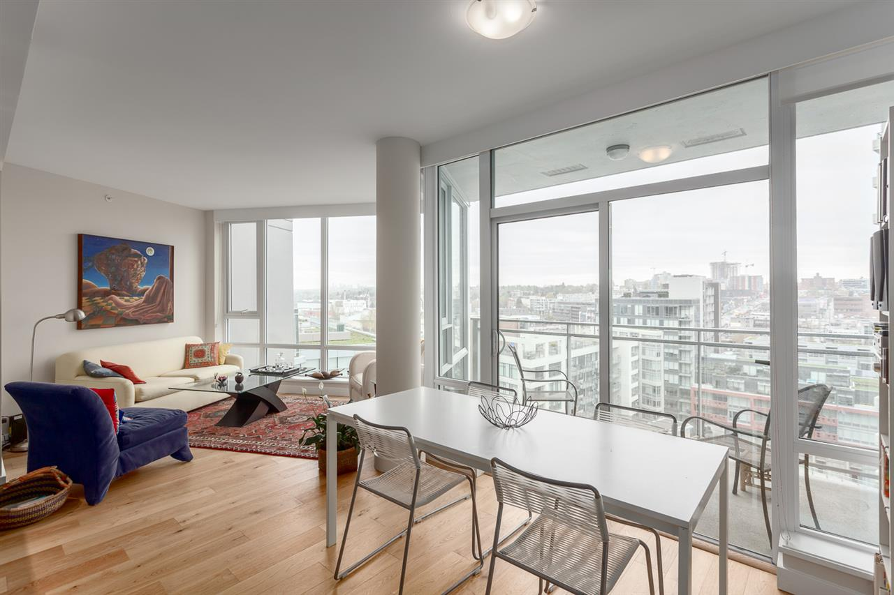 "Photo 7: 1626 1618 QUEBEC Street in Vancouver: Mount Pleasant VE Condo for sale in ""CENTRAL"" (Vancouver East)  : MLS® # R2157928"
