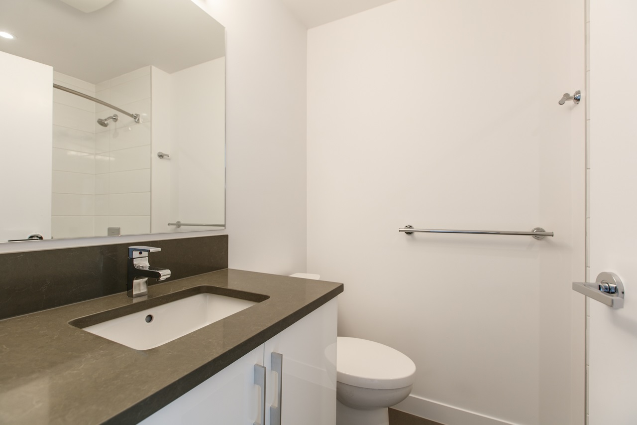 Photo 10: 43 7039 MACPHERSON Avenue in Burnaby: Metrotown Townhouse for sale (Burnaby South)  : MLS(r) # R2160178