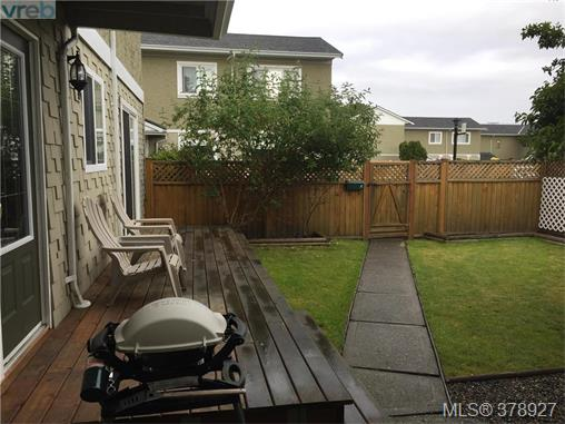 Photo 14: 7 10070 Fifth Street in SIDNEY: Si Sidney North-East Townhouse for sale (Sidney)  : MLS® # 378927