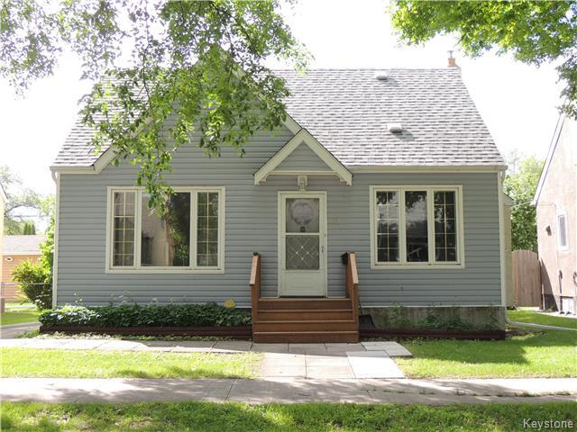 Main Photo: 962 Mulvey Avenue in Winnipeg: Crescentwood Residential for sale (1Bw)  : MLS(r) # 1718542