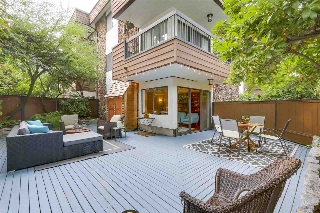 "Main Photo: 104 1484 CHARLES Street in Vancouver: Grandview VE Condo for sale in ""LANDMARK ARMS"" (Vancouver East)  : MLS® # R2203961"