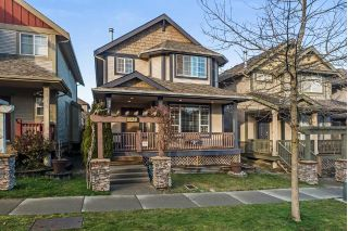 Main Photo: 19485 66A Avenue in Surrey: Clayton House for sale (Cloverdale)  : MLS® # R2238950