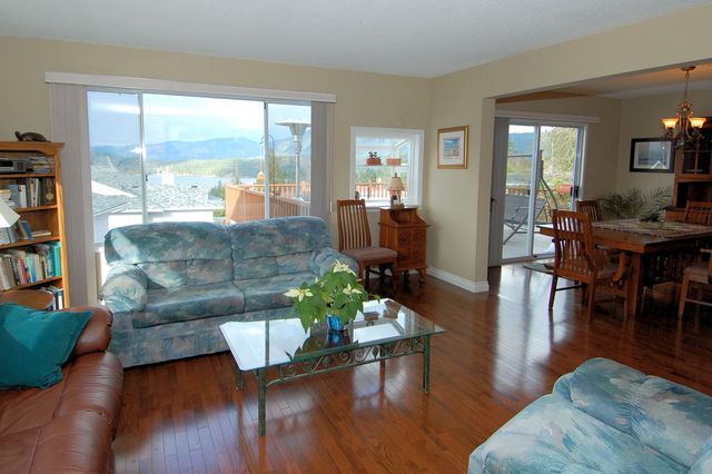 Photo 12: Photos: 4507 CHESTNUT ROAD in COWICHAN BAY: House for sale : MLS® # 350343