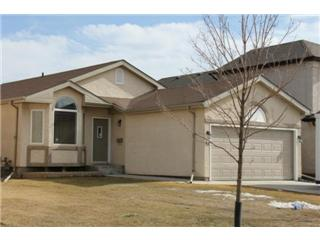 Main Photo: 43 Heartstone Drive in Winnipeg: Transcona Single Family Detached for sale (North East Winnipeg)  : MLS(r) # 1204548