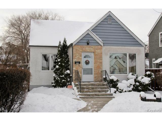 Main Photo: 308 Enniskillen Avenue in WINNIPEG: West Kildonan / Garden City Residential for sale (North West Winnipeg)  : MLS® # 1326216