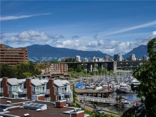 "Main Photo: 502 1508 MARINER Walk in Vancouver: False Creek Condo for sale in ""MARINER POINT"" (Vancouver West)  : MLS® # V1069887"