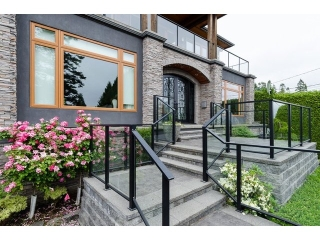 Main Photo: 13525 13A Avenue in Surrey: Crescent Bch Ocean Pk. House for sale (South Surrey White Rock)  : MLS®# F1442333