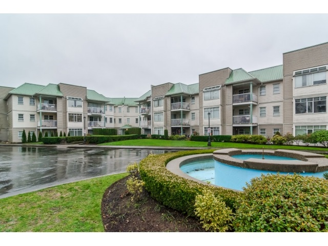 "Main Photo: 204 9763 140 Street in Surrey: Whalley Condo for sale in ""FRASER GATE"" (North Surrey)  : MLS®# R2021551"