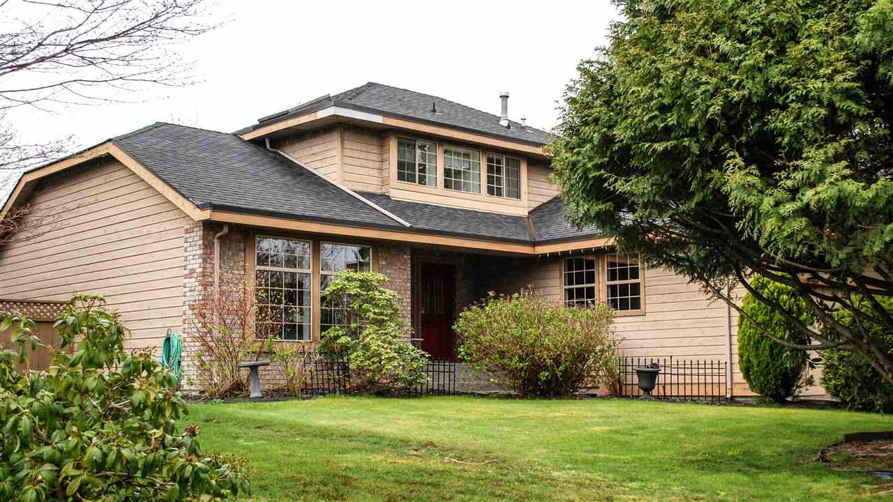Main Photo: 18848 63A Avenue in Surrey: Cloverdale BC House for sale (Cloverdale)  : MLS® # R2048680