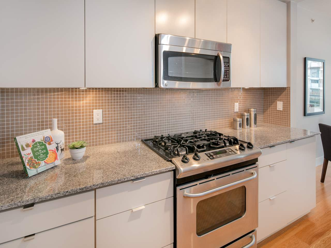 "Photo 4: 512 298 E 11TH Avenue in Vancouver: Mount Pleasant VE Condo for sale in ""The Sophia"" (Vancouver East)  : MLS(r) # R2124368"