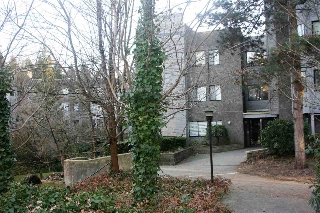 "Main Photo: 406 9890 MANCHESTER Drive in Burnaby: Cariboo Condo for sale in ""BROOKSIDE COURT"" (Burnaby North)  : MLS(r) # R2134431"