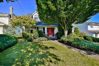 Main Photo: 5662 184 Street in Surrey: Cloverdale BC House for sale (Cloverdale)  : MLS(r) # R2143513