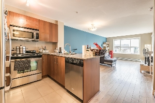 Main Photo: 205 5775 IRMIN Street in Burnaby: Metrotown Condo for sale (Burnaby South)  : MLS(r) # R2148278