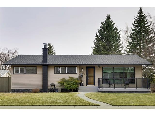 Main Photo: LONGMOOR WY SW in Calgary: Lakeview House for sale : MLS(r) # C4115686