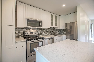"Main Photo: 412 235 KEITH Road in West Vancouver: Cedardale Condo for sale in ""Spuraway Gardens"" : MLS(r) # R2164817"