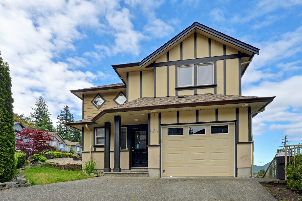 Main Photo: 584 Kingsview Ridge in VICTORIA: La Mill Hill Single Family Detached for sale (Langford)  : MLS® # 378175