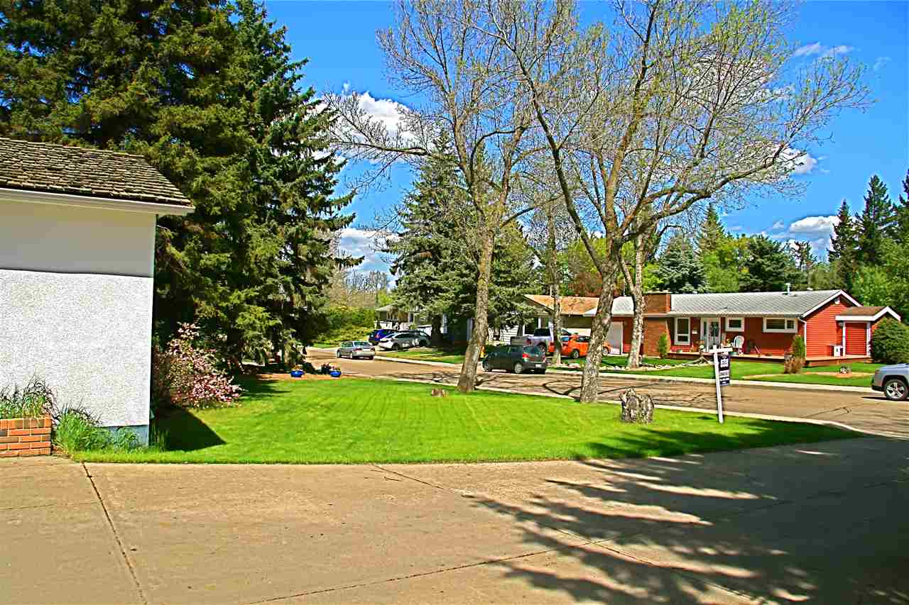 Gorgeous Street In A Desirable Mature Community!
