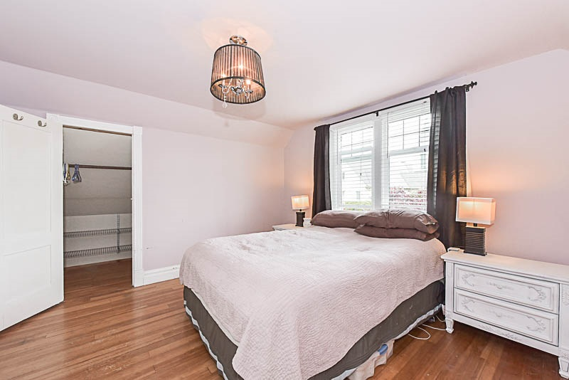 "Photo 11: 202 SEVENTH Street in New Westminster: Uptown NW House for sale in ""BROW OF THE HILL"" : MLS® # R2177046"