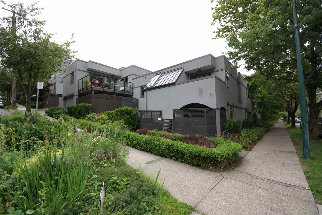 "Main Photo: 1310 W 7TH Avenue in Vancouver: Fairview VW Townhouse for sale in ""FAIRVIEW VILLAGE"" (Vancouver West)  : MLS® # R2177755"