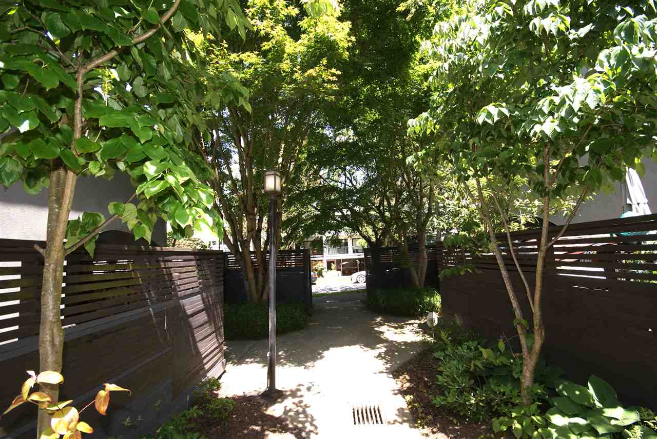"Photo 2: 1310 W 7TH Avenue in Vancouver: Fairview VW Townhouse for sale in ""FAIRVIEW VILLAGE"" (Vancouver West)  : MLS(r) # R2177755"