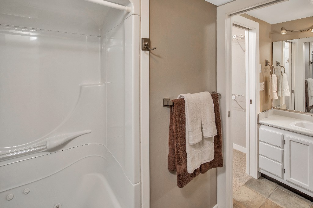 Photo 16: 205 406 Simcoe Street in VICTORIA: Vi James Bay Condo Apartment for sale (Victoria)  : MLS® # 379479
