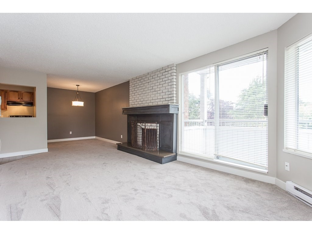 "Photo 10: 103 32950 AMICUS Place in Abbotsford: Central Abbotsford Condo for sale in ""THE HAVEN"" : MLS® # R2180654"